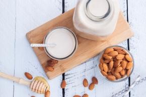 APRENDIENDO A… hacer leche de almendras encasa